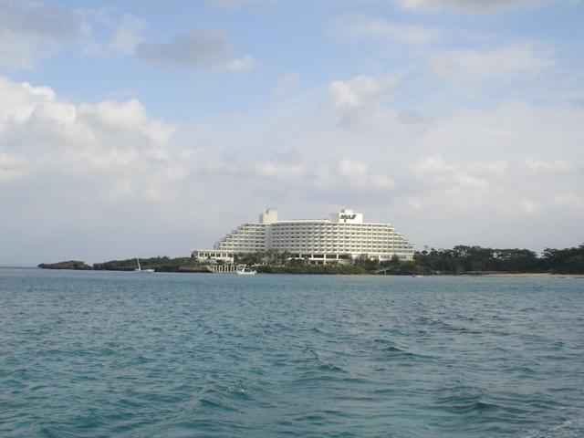沖縄のリゾートホテルの顔役者!万座ビーチリゾート